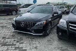 Super Clean Foreign used 2016 Mercedes-Benz C300