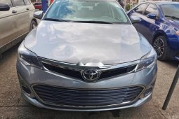 Clean Foreign used Toyota Avalon 2015
