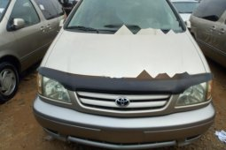 Neat Foreign used Toyota Sienna 2002