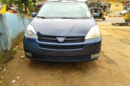 Foreign Used Toyota Sienna 20006 Model Blue