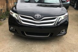 Very Clean Foreign used Toyota Venza 2014