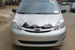 Foreign Used Toyota Sienna 2008 Model Silver
