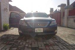 Neat Nigerian used Lexus LS 2010