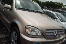 Neat Foreign used Mercedes-Benz ML 320 200