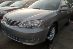 Neat Foreign used Toyota Camry 2005