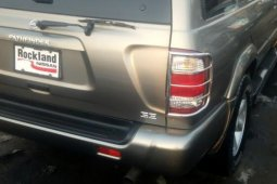 Foreign Used Nissan Pathfinder 2004 Model Gray