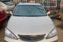 Foreign Used Toyota Camry 2004 Model Gold