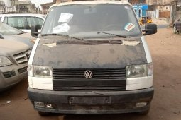 Foreign Used Volkswagen Transporter 2000 Model White