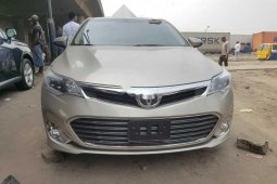Foreign Used Toyota Avalon 2015 Model Gold