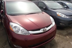 Foreign Used Toyota Sienna 2008 Model Red