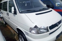 Tokunbo Volkswagen Transporter 2003 Model White