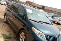 Foreign Used Toyota Sienna 2011 Model Blue