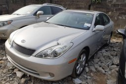 Foreign Used 2005 Silver Lexus ES for sale in Lagos