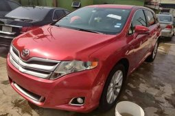 Direct Tokunbo Toyota Venza 2013 Model Automatic Red