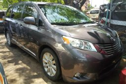 2011 Model Foreign used Toyota Sienna Limited full option