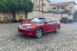 Almost brand new 2015 Model Toyota Venza Petrol