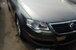 Foreign Used 2006 Green Volkswagen Passat for sale