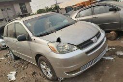 Nigeria Used Toyota Sienna 2005 Model Silver