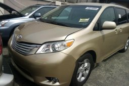 Foreign Used Toyota Sienna 2011 Model Gold