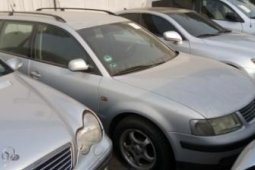 Foreign Used 2002 Silver Volkswagen Passat for sale Manual