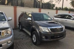 Almost brand new Tokunbo Toyota Hilux Diesel 2013 Model