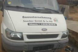 Foreign Used Ford T-300 2003 Model White