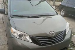 Foreign Used Toyota Sienna 2014 Model Green