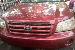 Locally Used 2005 Red Toyota Highlander for sale in Lagos
