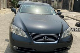 Foreign Used 2011 Lexus ES for sale in Lagos.