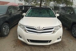 Extremely Clean 2015 Toyota Venza well maintained