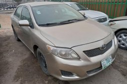 Nigeria Used Toyota Corolla 2010 Model Gold