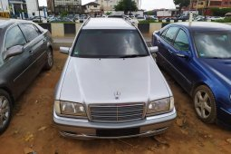 Foreign Used Mercedes-Benz C200 2000 Model Silver