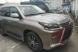 Foreign Used Lexus 570 2016 Model Silver