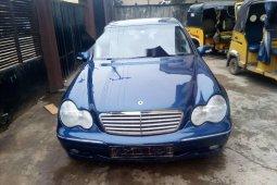 Tokunbo Mercedes-Benz C200 2011 Model Blue