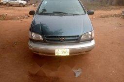 Nigeria Used Toyota Sienna 1999 Model Blue