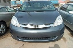 Foreign Used Toyota Sienna 2006 Model Gray