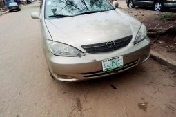 Locally Used 2005 Gold Toyota Camry for sale in Lagos