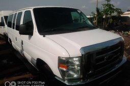 Foreign Used Ford E-350 2010  Model White