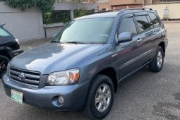 Nigeria Used Toyota Highlander 2006 Model Blue