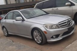 Foreign Used 2009 Silver Mercedes-Benz C300 for sale in Lagos