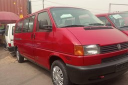 Foreign Used 2000 Volkswagen Transporter for sale in Lagos.