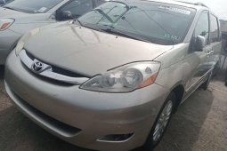 Foreign Used 2008 Silver Toyota Sienna for sale in Lagos.