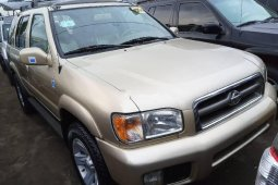 Foreign Used Nissan Pathfinder 2002 Model Gold