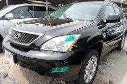 Foreign Used 2006 Black Lexus RX for sale in Lagos.