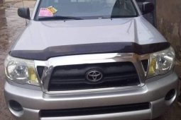 Very Clean Tokunbo Toyota Tacoma 2005