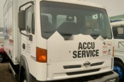 Clean Foreign Used 2000 White Nissan Cabstar for sale in Lagos.