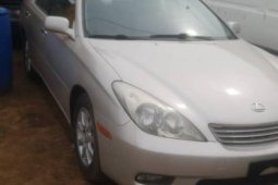 Foreign Used 2004 Silver Lexus ES for sale in Lagos