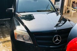 Foreign Used 2010 Black Mercedes-Benz GLK for sale in Lagos.