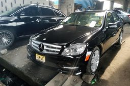 Foreign Used 2008 Black Mercedes-Benz C300 for sale in Lagos.