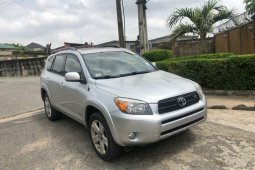 Foreign Used 2007 Silver Toyota RAV4 for sale in Lagos.